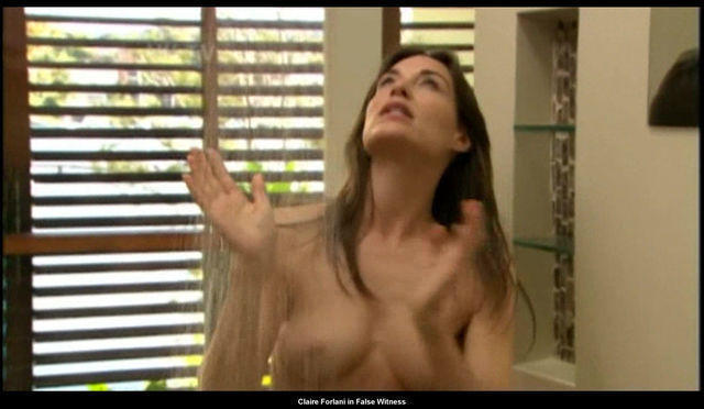 Naked Claire Forlani pics