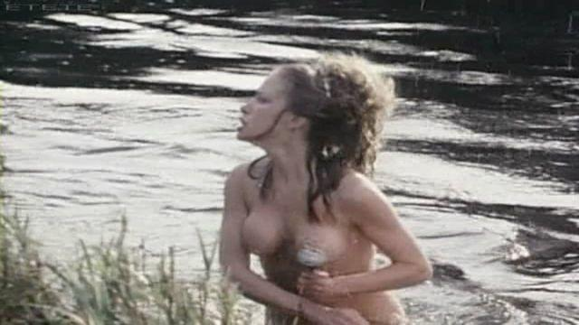 models Connie Booth 24 years impassioned photos beach