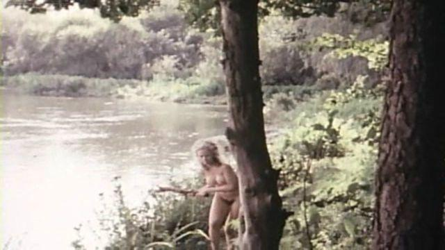 Connie Booth nude photo