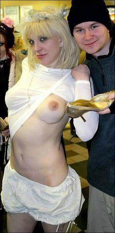 Hot photos Courtney Love tits
