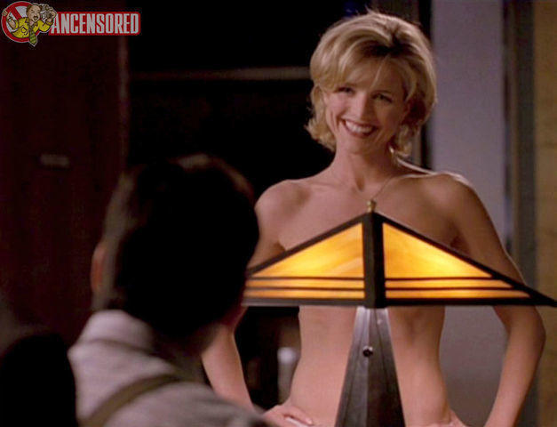 celebritie Courtney Thorne-Smith 21 years sensuous snapshot home