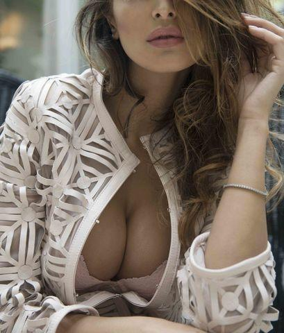 actress Cristina Buccino 22 years Without panties pics home