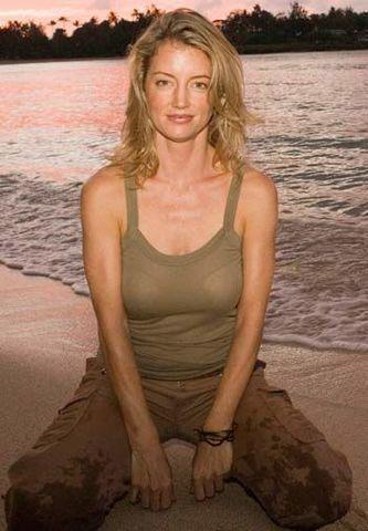 actress Cynthia Watros 22 years undress art in public