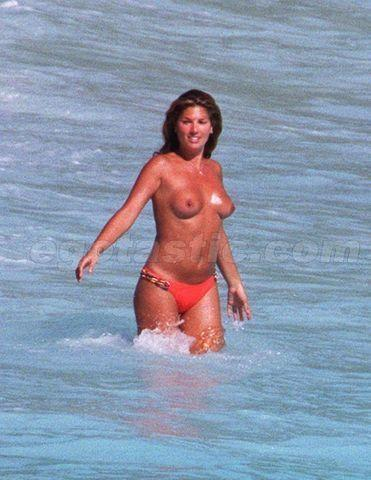 Daisy Fuentes topless photos