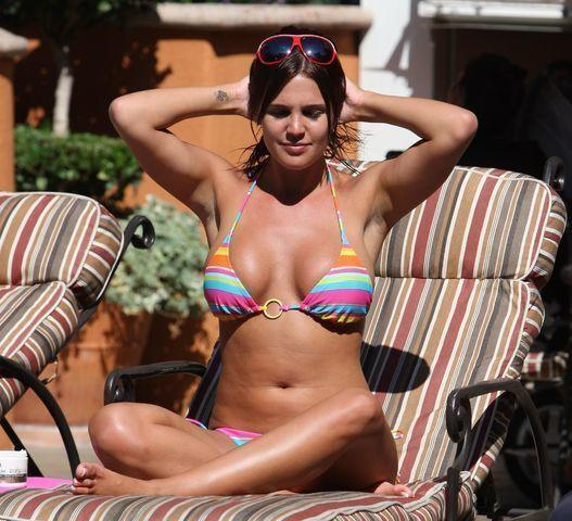 models Danielle Lloyd 22 years bared photoshoot in public