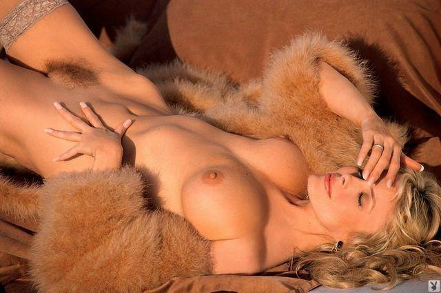 Dian Parkinson nude photo