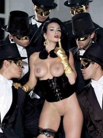 celebritie Diosa Canales 25 years breasts picture in the club
