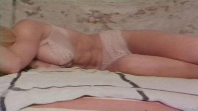 models Dorothy Stratten 18 years spicy photos in public