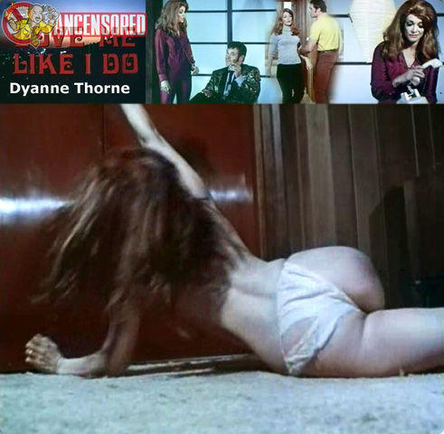models Dyanne Thorne 19 years unclad photography in the club