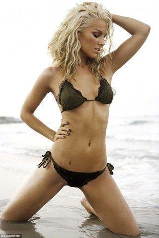 celebritie Edurne García 21 years lecherous photos beach