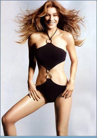 actress Ellen Pompeo 23 years Without clothing foto in the club
