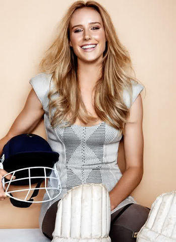 Naked Ellyse Perry snapshot