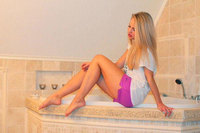Naked Emilie Voe Nereng photos