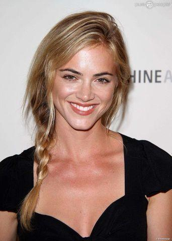Emily Wickersham topless pics