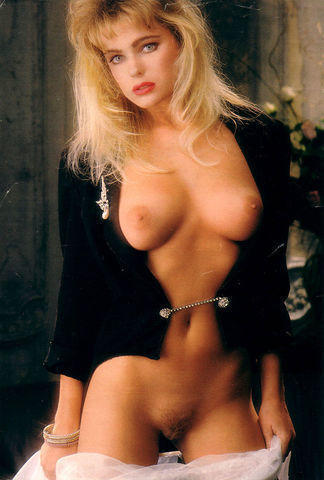 Erika Eleniak nude photos