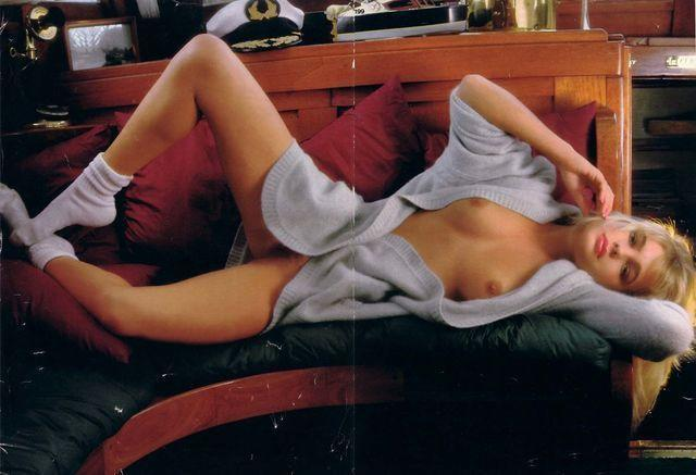 actress Erika Eleniak 20 years melons photoshoot home