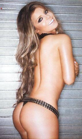 celebritie Fernanda Lopez 24 years undress picture in the club