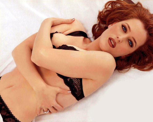 models Gillian Anderson 18 years indecent pics home