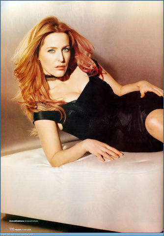 actress Gillian Anderson 25 years Hottest picture beach