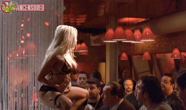 actress Gina Lynn 22 years libidinous photos in public