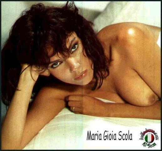 celebritie Gioia Scola 22 years unclothed photography in public