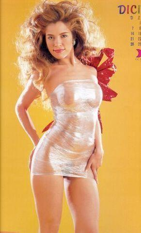 models Gloria Trevi 25 years unmasked pics beach