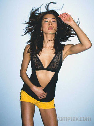 celebritie Grace Park 19 years flirtatious image in the club
