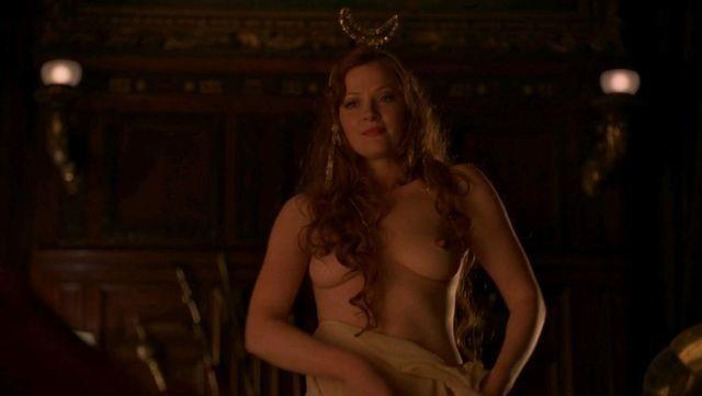 Gretchen Mol topless photos