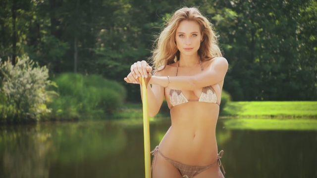 actress Hannah Davis 19 years seductive picture home