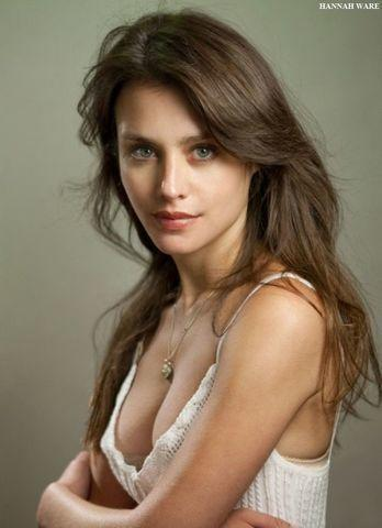 actress Hannah Ware 21 years indelicate foto in public