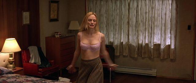 actress Heather Graham 2015 hooters foto in public