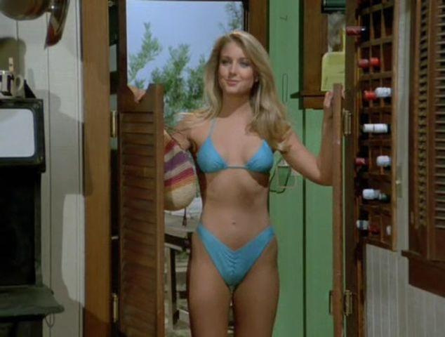 actress Heather Thomas 22 years Without camisole photo beach