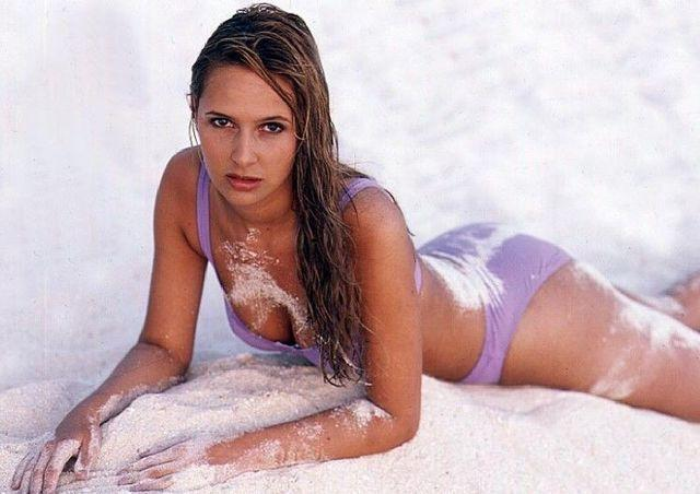 celebritie Isabelle A 23 years carnal photos beach