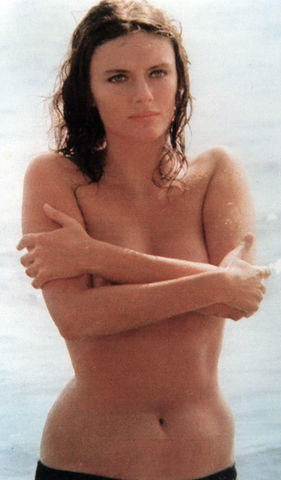 Jacqueline Bisset topless photos