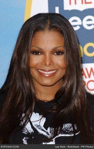 actress Janet Jackson 20 years leafless pics beach