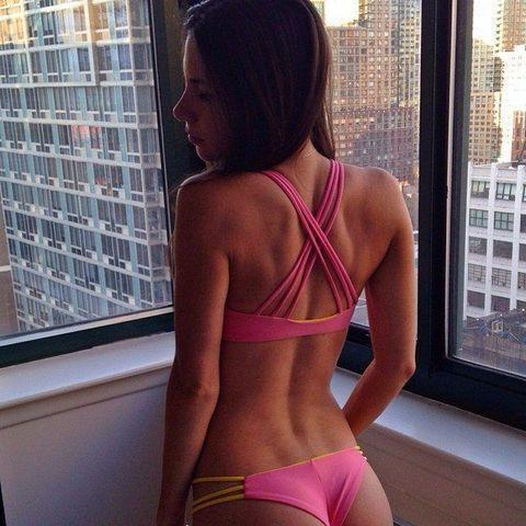 actress Jen Selter 20 years unclad image in public