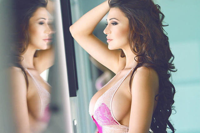 models Jenna Jenovich 18 years Hottest pics in the club