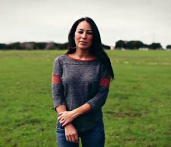 Joanna Gaines topless photography