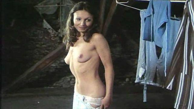 celebritie Johanna Forster 23 years tits image in the club