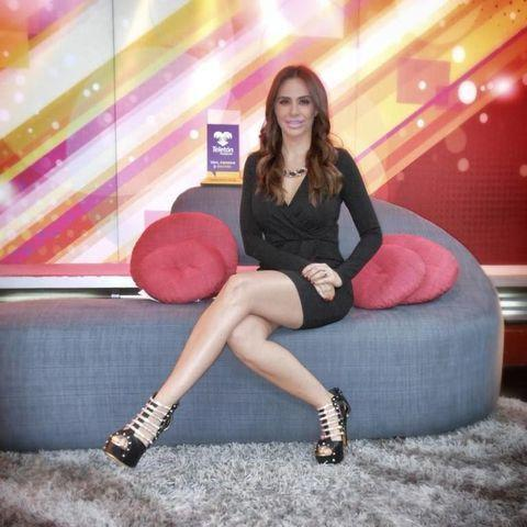 actress Joselyn Juncal 24 years Without swimsuit image in the club