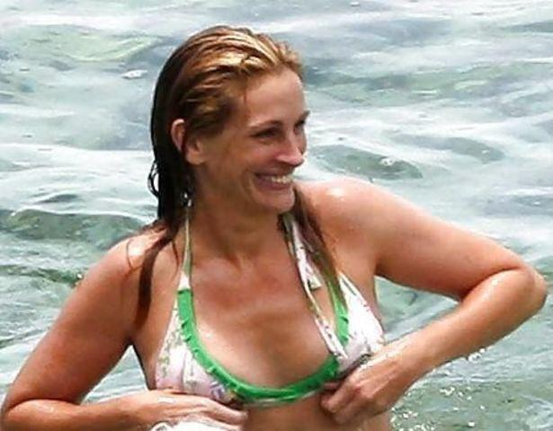 celebritie Julia Roberts 18 years stripped photo home