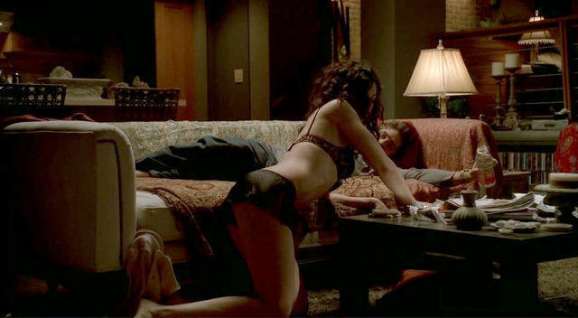 Julianna Margulies topless photos