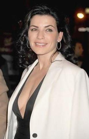 actress Julianna Margulies 18 years Without panties pics in public