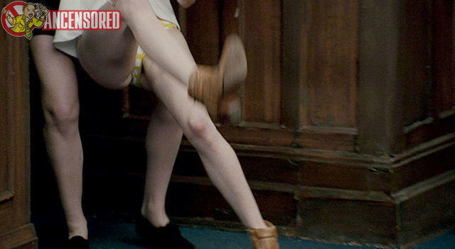 celebritie Kaniehtiio Horn young stripped pics home