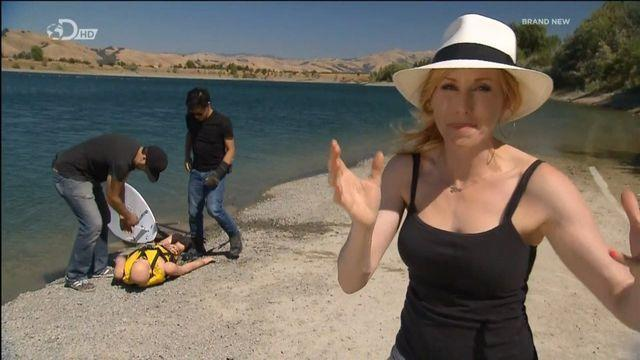 celebritie Kari Byron 19 years uncovered snapshot in public