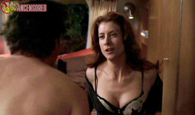 actress Kate Walsh 22 years lewd picture beach