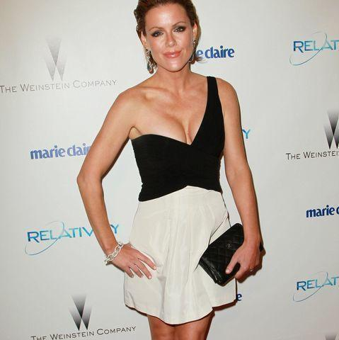 celebritie Kathleen Robertson 25 years private picture in public
