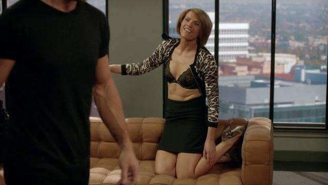 actress Kathleen Rose Perkins 25 years Without brassiere foto in public