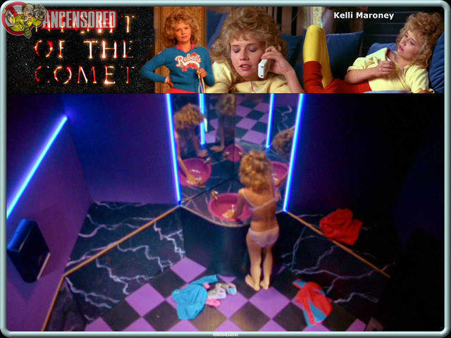 models Kelli Maroney 23 years Without slip foto home