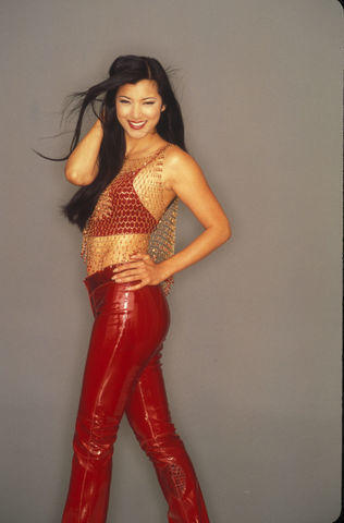 models Kelly Hu 18 years unmasked foto home